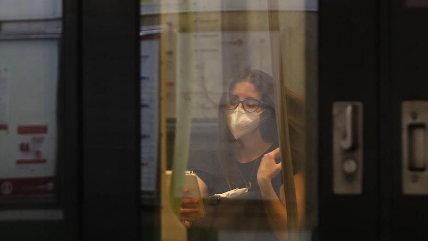 Metrovalencia redujo sus servicios un 9,3 % en 2020 debido a la pandemia