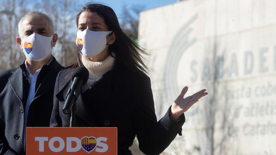 """Arrimadas propone un Govern """"sensato y moderado"""" de Cs y PSC tras el 14F"""