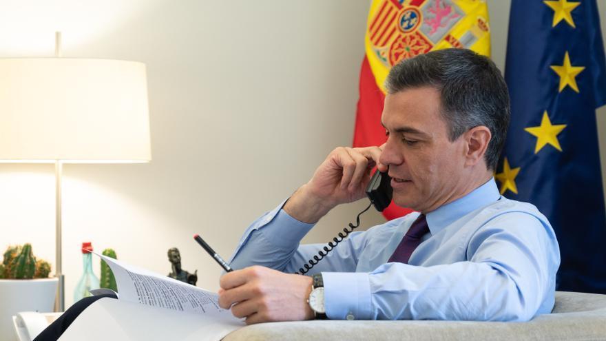 Sánchez promete a Beatriz Zimmermann que habrá medios para la búsqueda de Anna y Tomás Gimeno