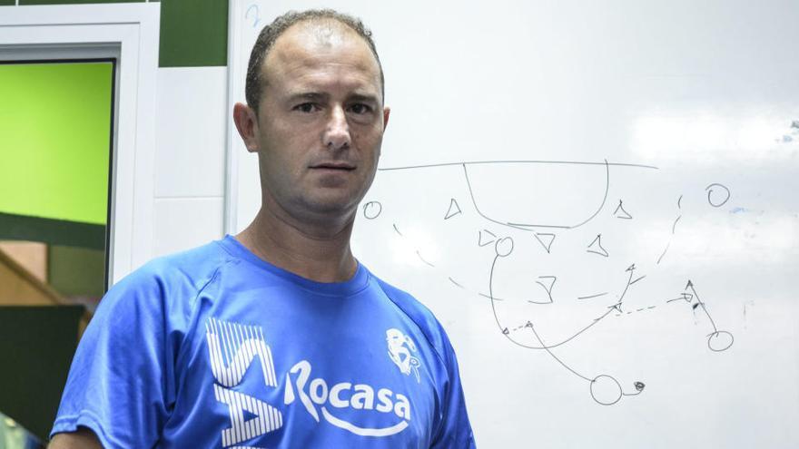 El Rocasa renueva a los técnicos Carlos Herrera y Roberto Santana