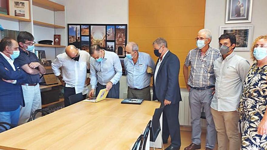 Miembros del Parlamento de Uruguay visitan  La Puebla de Albortón