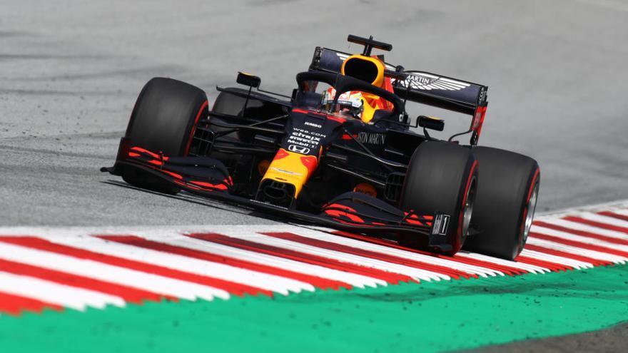 Hamilton gana el GP de Estiria y Sainz termina noveno