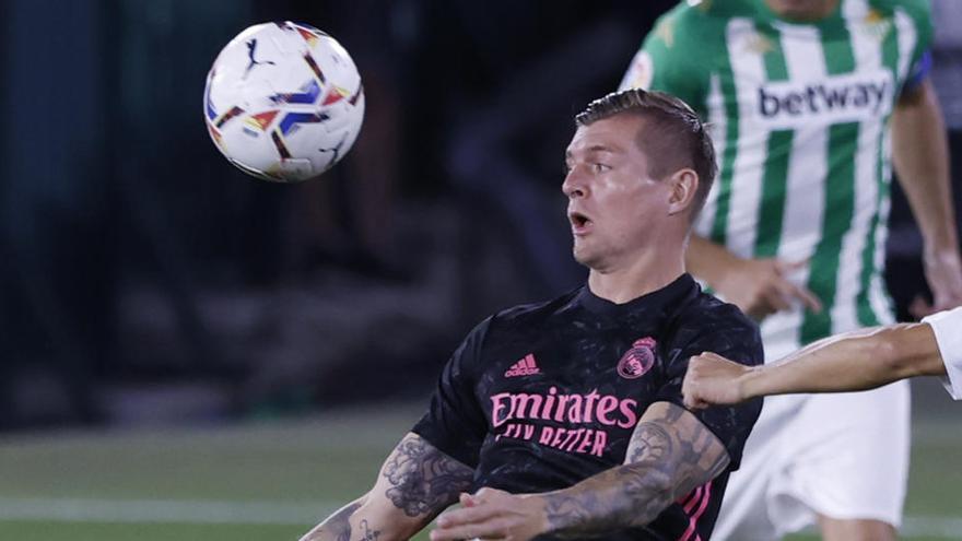 Kroos se lesiona y se perderá al menos dos partidos de Liga