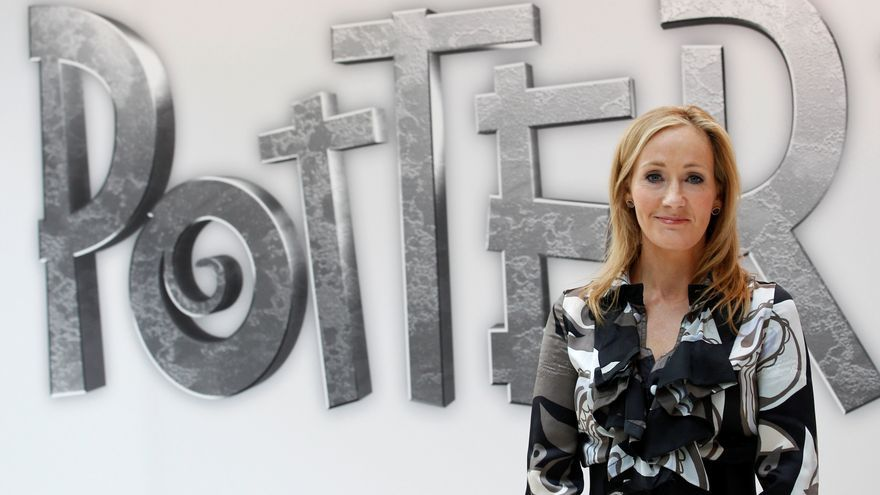 J.K. Rowling vuelve como Robert Galbraith con el 'thriller' 'Sangre turbia'