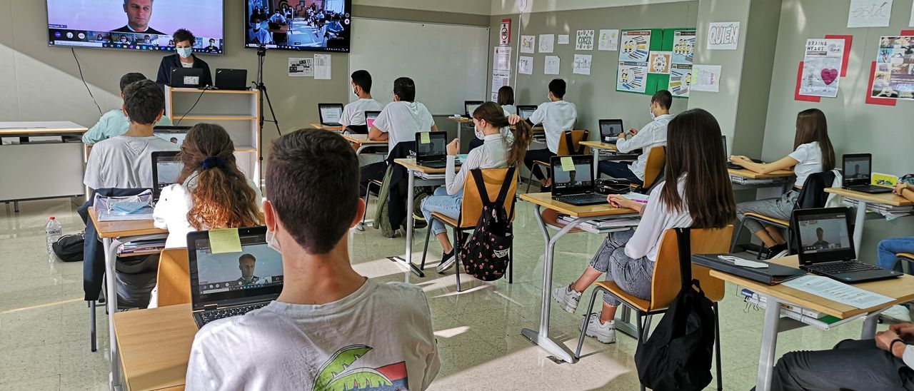 El presidente de Microsoft Europa visita al alumnado de La Devesa School