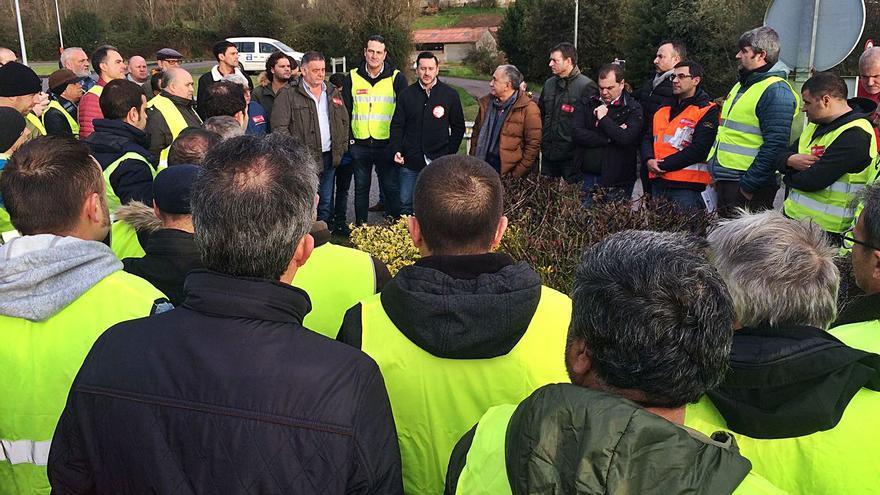 Condenan a Du Pont por impedir la labor sindical de un representante del SOMA