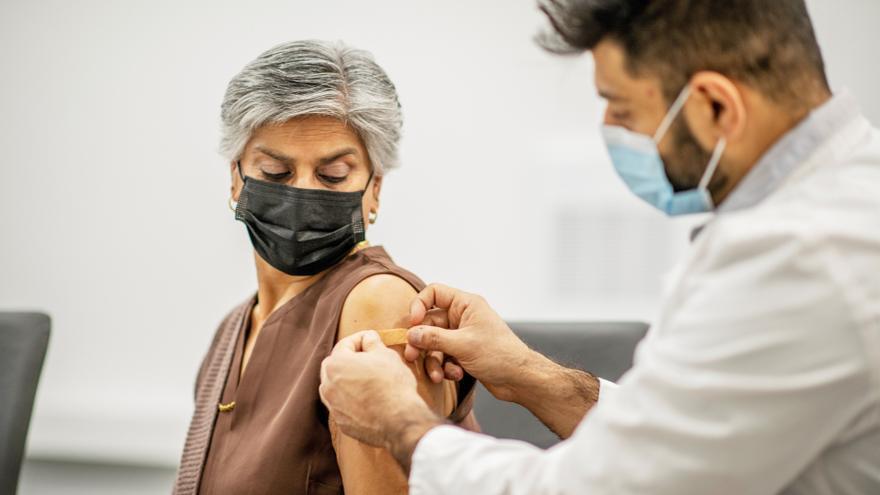 Canarias supera las 404.000 dosis de vacunas administradas