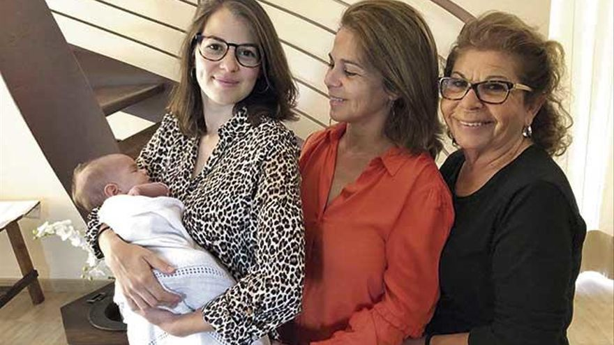 Por fin Ona y Júlia conocieron a sus abuelas