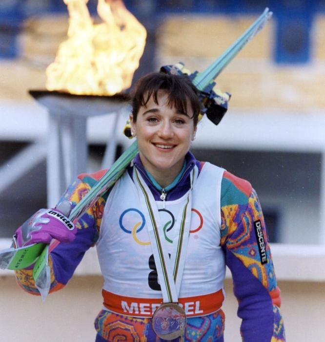 Blanca Fernández Ochoa con la medalla de bronce ...