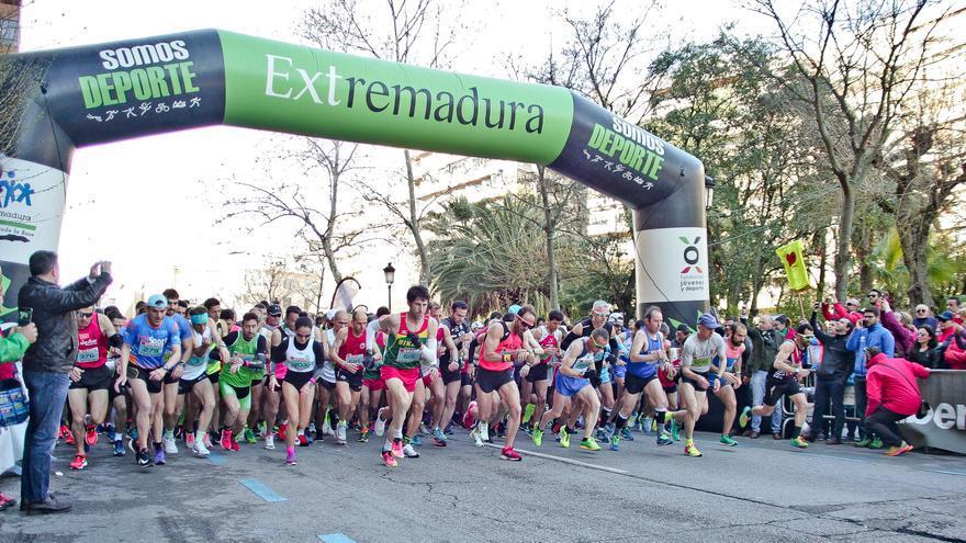 Salaya da casi por suspendida la media maratón pero mantiene la feria de San Miguel