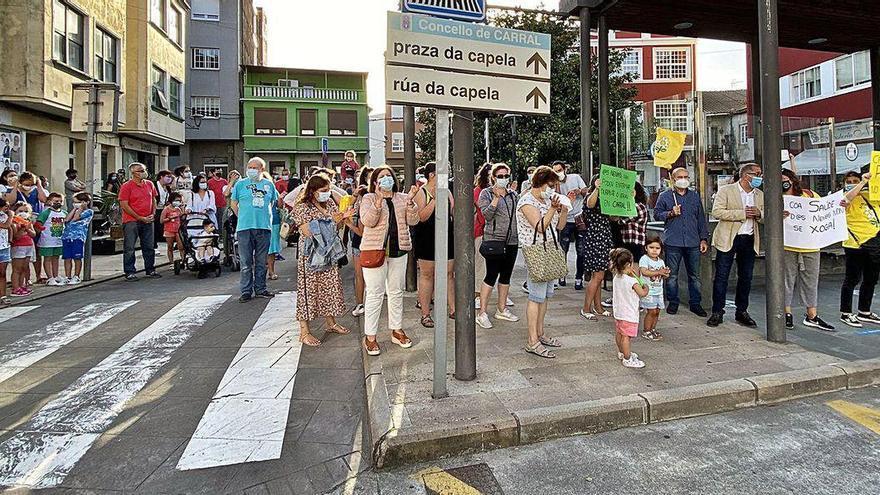 Carral se moviliza para exigir al Sergas que cubra la plaza de pediatra durante el verano