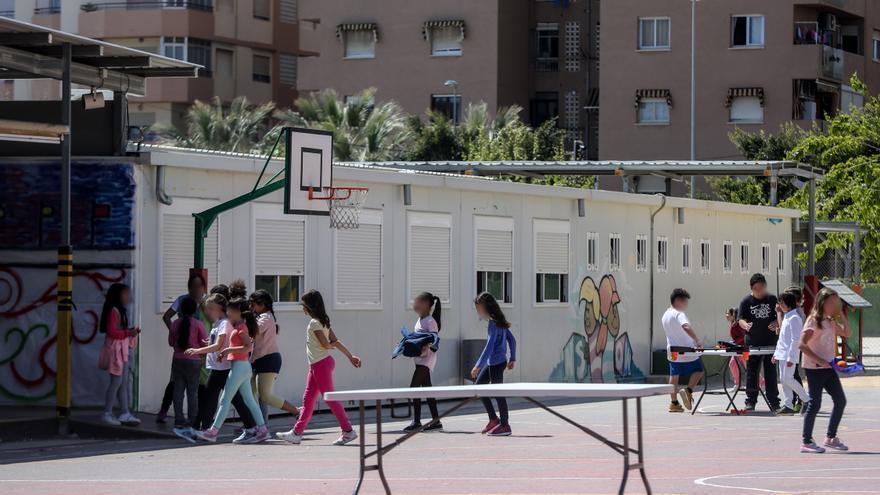 Educación ya ha construido más de la mitad de los colegios que  heredó en barracones