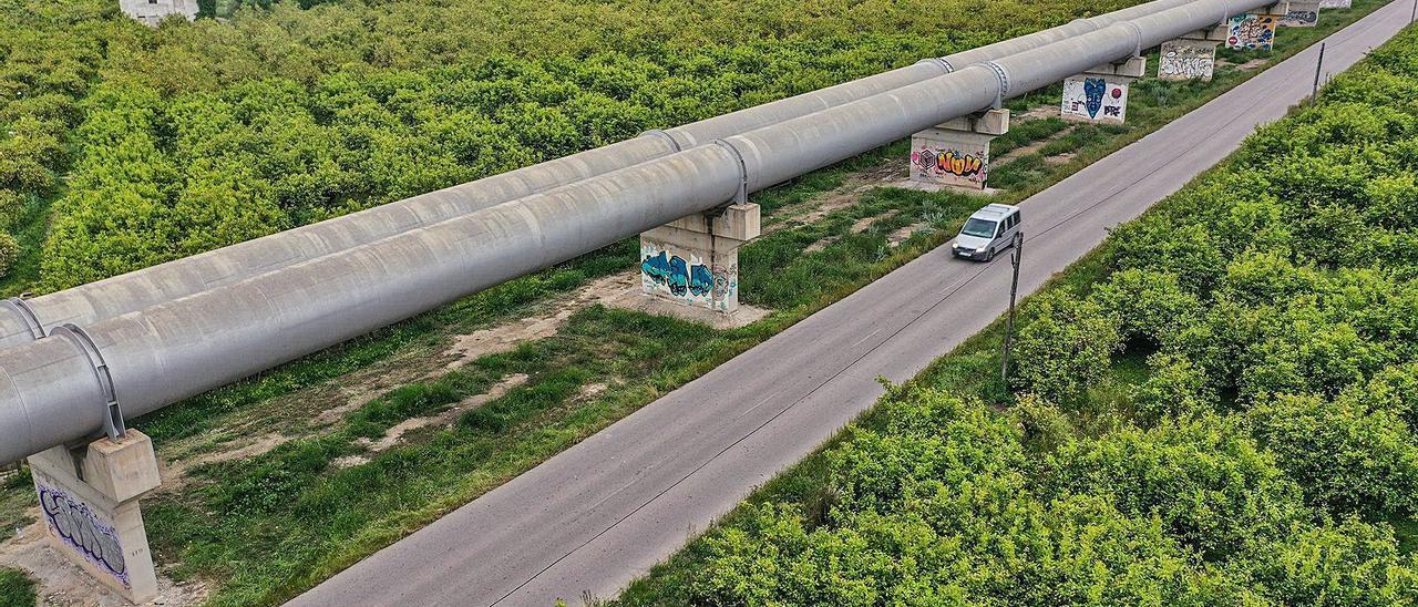 El aprovechamiento del agua depurada en las zonas regadas por el trasvase es el más eficiente de Europa. | TONY SEVILLA