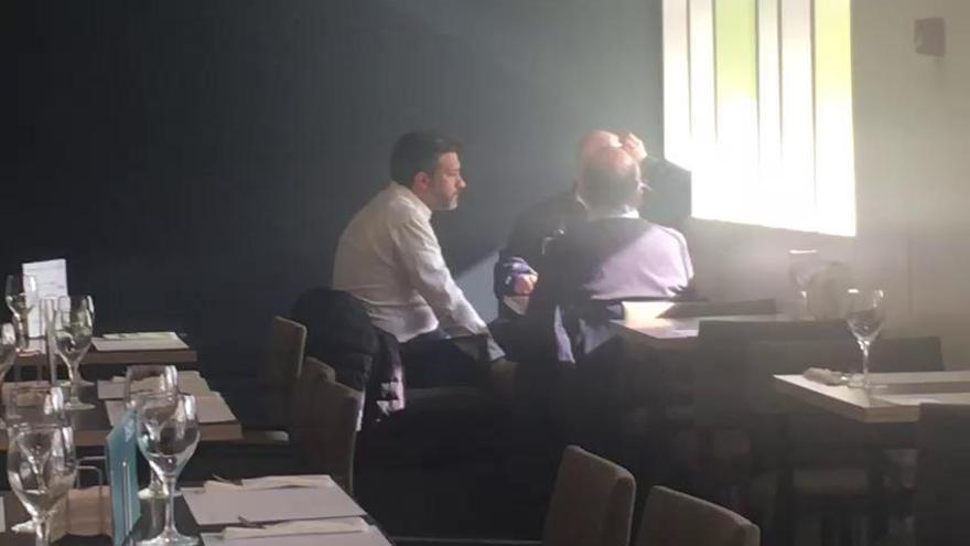 El portavoz del PSOE se cita con el exfiscal jefe tras denunciar los audios de Roque