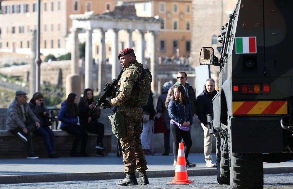 Dispositivo de seguridad en Roma, Italia.