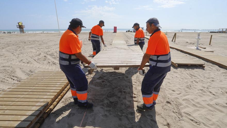 Carrera a contrarreloj en Sagunt, para abrir este fin de semana nuevos tramos de la playa afectada por la lluvia.