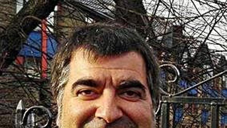 O profesor Xaquín Núñez Sabarís gaña o Premio Ramón Piñeiro de Ensaio