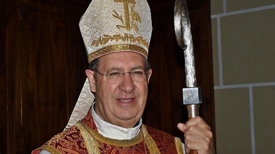 La Iglesia despide al obispo emérito Rafael Palmero con una capilla ardiente en la Concatedral