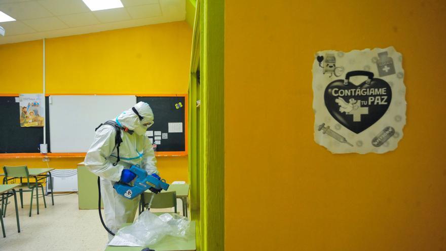 Desinfección colegio Rosalía de Castro