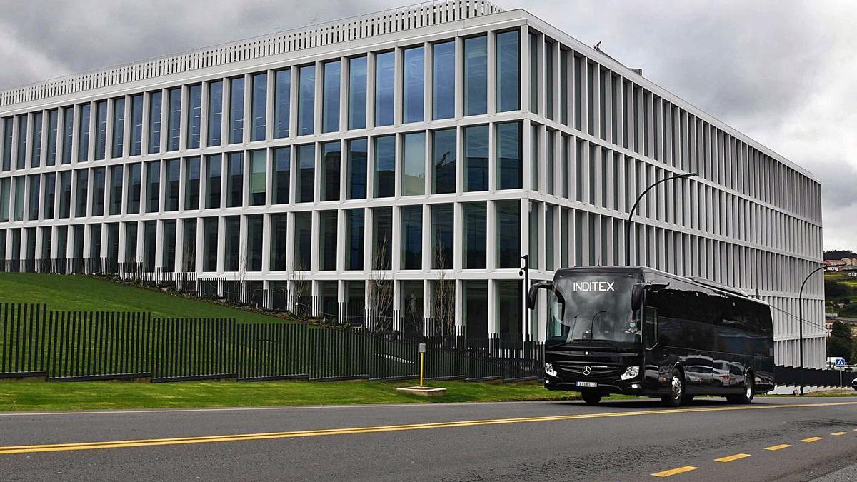 Nuevo edificio que Inditex ha construido en su sede del polígono de Sabón, en Arteixo. |   // VÍCTOR ECHAVE