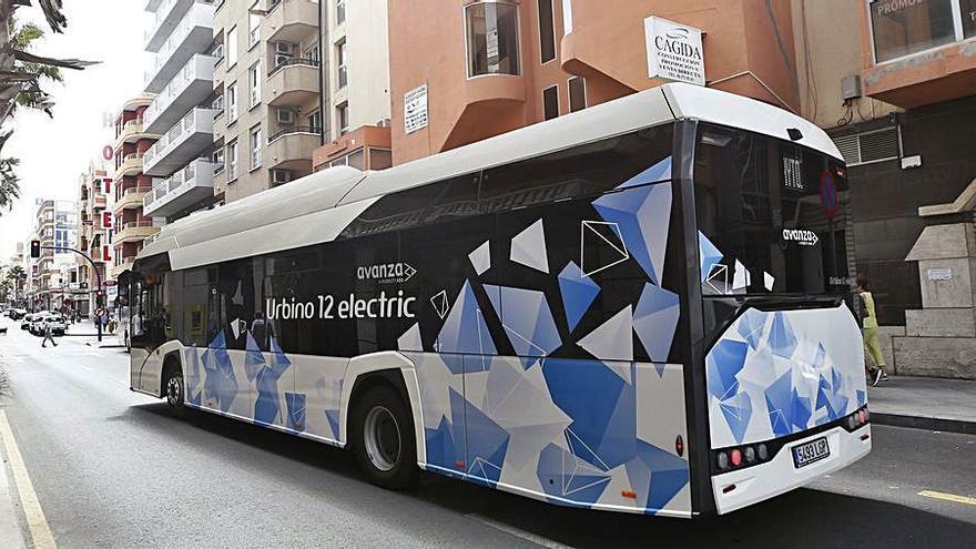La empresa de transporte urbano prueba en Torrevieja su modelo de bus eléctrico
