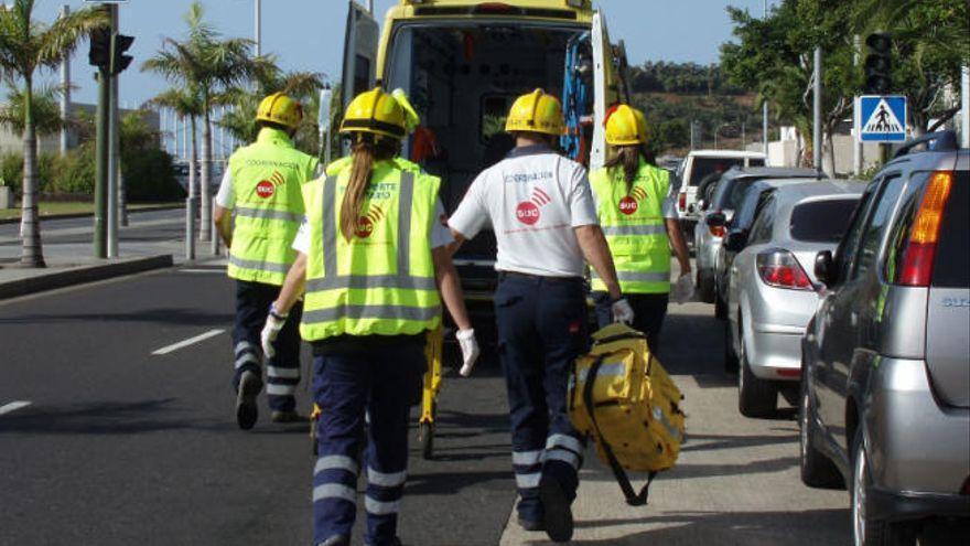 Un motorista herido moderado al sufrir una caída en Los Realejos