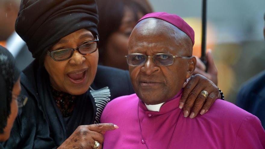Muere Winnie Mandela, activista anti 'apartheid' y exmujer de Nelson Mandela