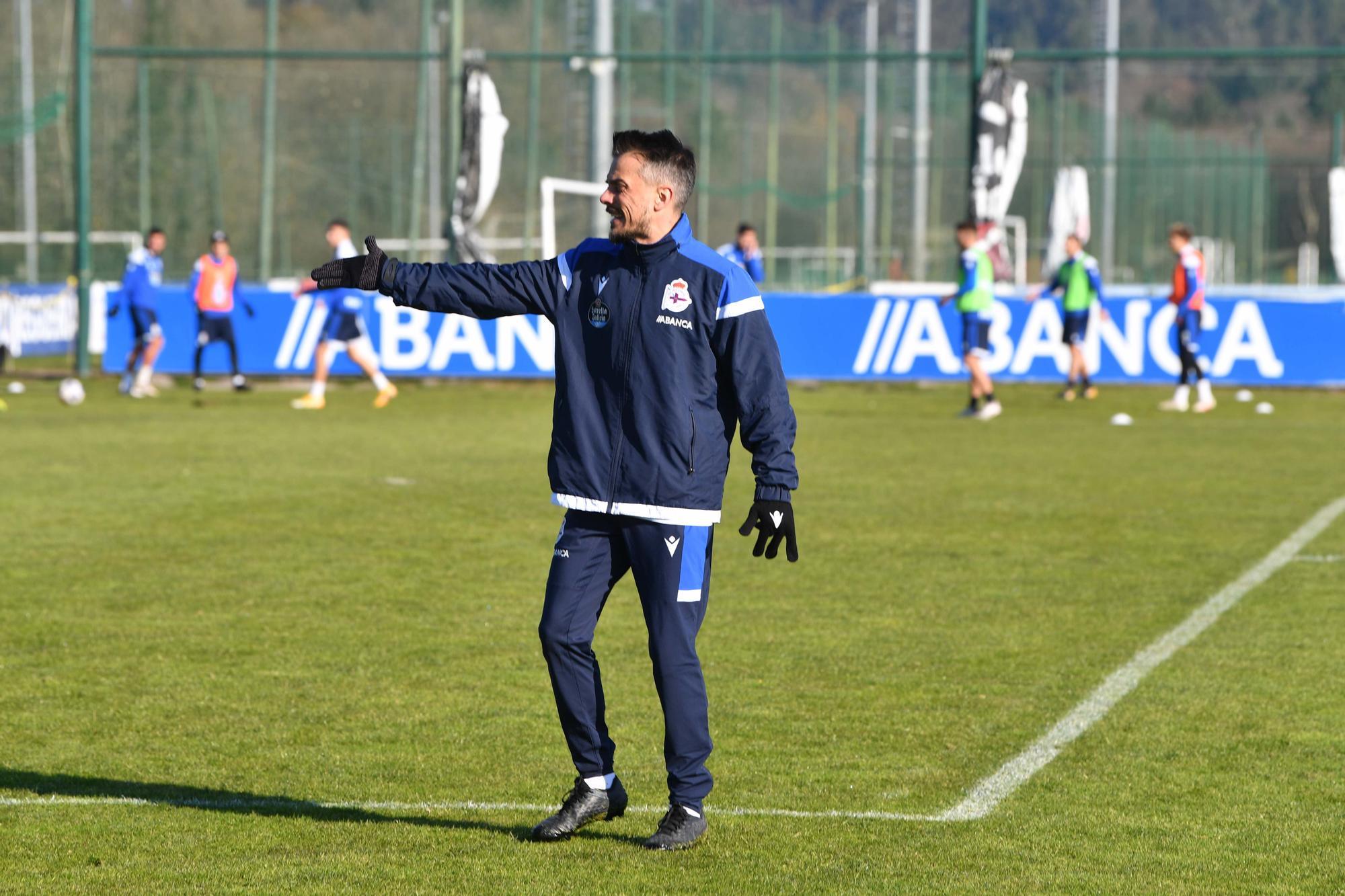 Primer entrenamiento de Rubén de la Barrera al frente del Deportivo