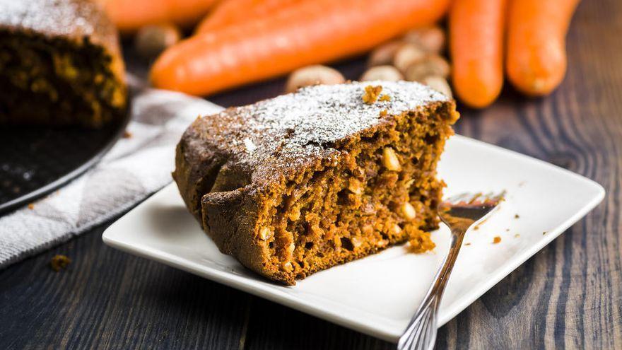 Prepara este delicioso bizcocho de zanahoria proteico que te ayudará a mantener la línea