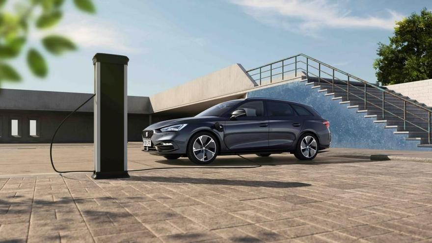 Seat León e-Hybrid, el primero de la historia
