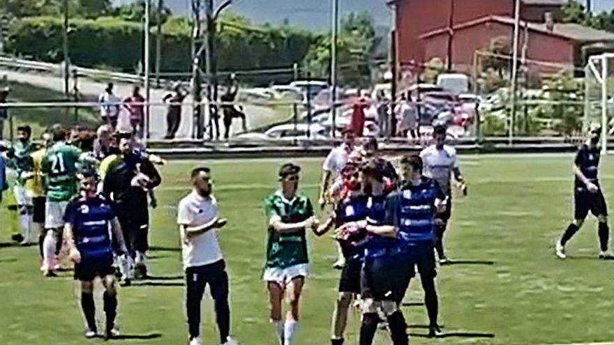 Fútbol: Una pelea en el Celtic de Puerto-Juvencia obliga a parar el encuentro