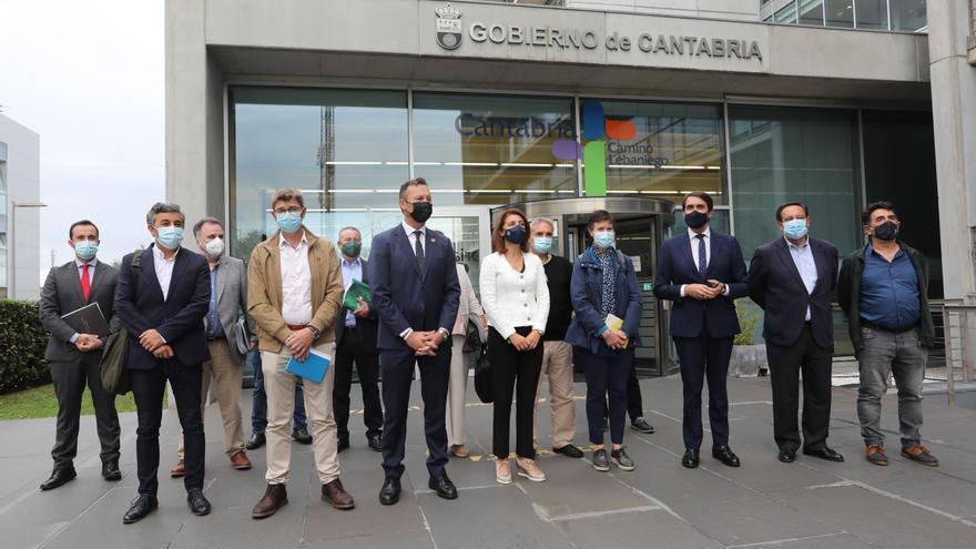 Castilla y León y otras tres comunidades interponen un recurso contra el fin de la caza del lobo