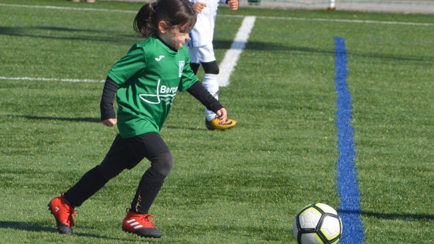 El mensaje de Vero Boquete a una niña gallega de 5 años criticada por jugar al fútbol