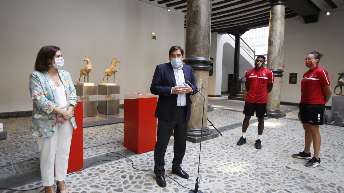 El presidente Reynaldo Benito, en la presentación del acuerdo con Zaragoza Turismo