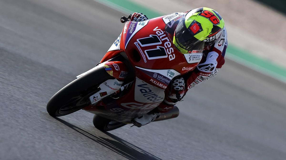 El joven piloto burrianense espera seguir creciendo con su moto en la primera cita del Mundial en España.