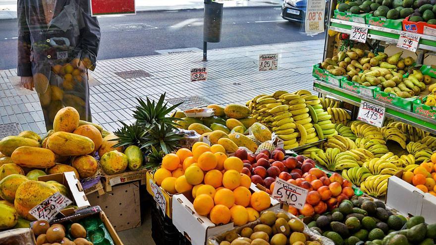 La cesta de la fruta, un lujo del país