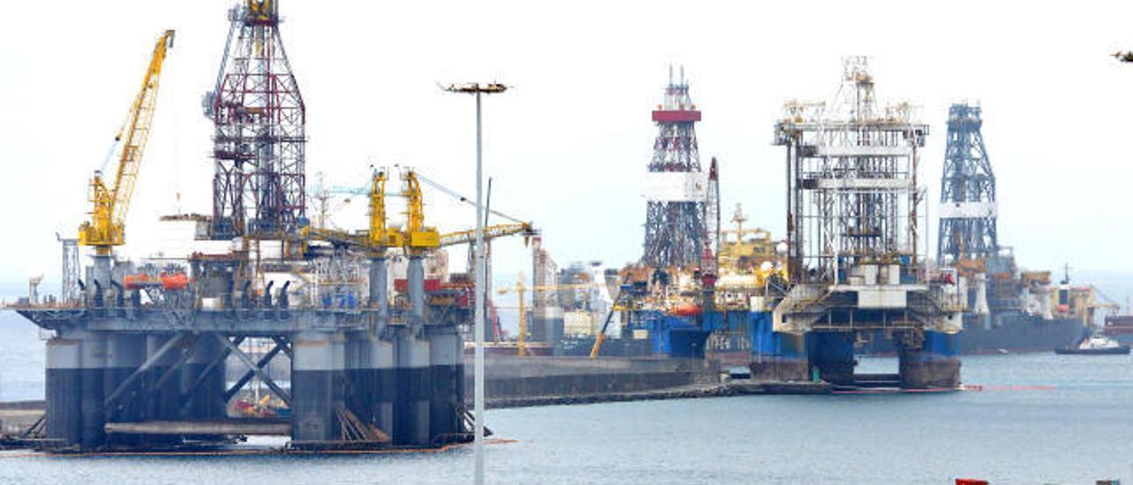 Astican desestima la instalación de tres pontonas para el atraque de plataformas