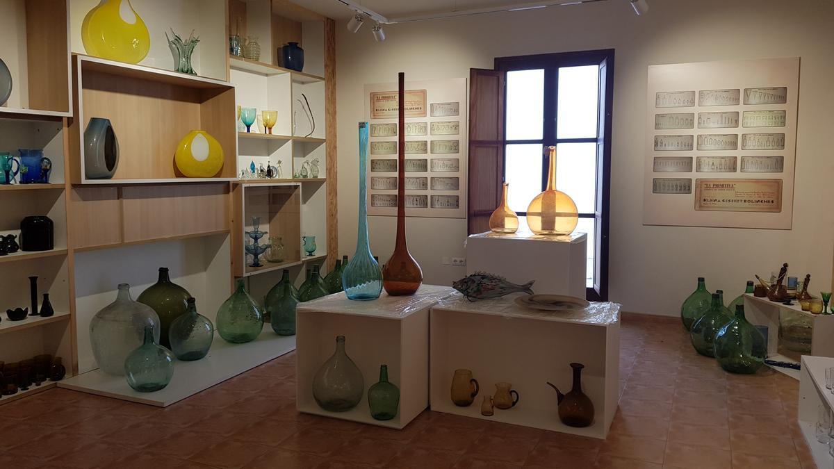 L'Olleria ofereix una gran col·lecció de peces de vidre.