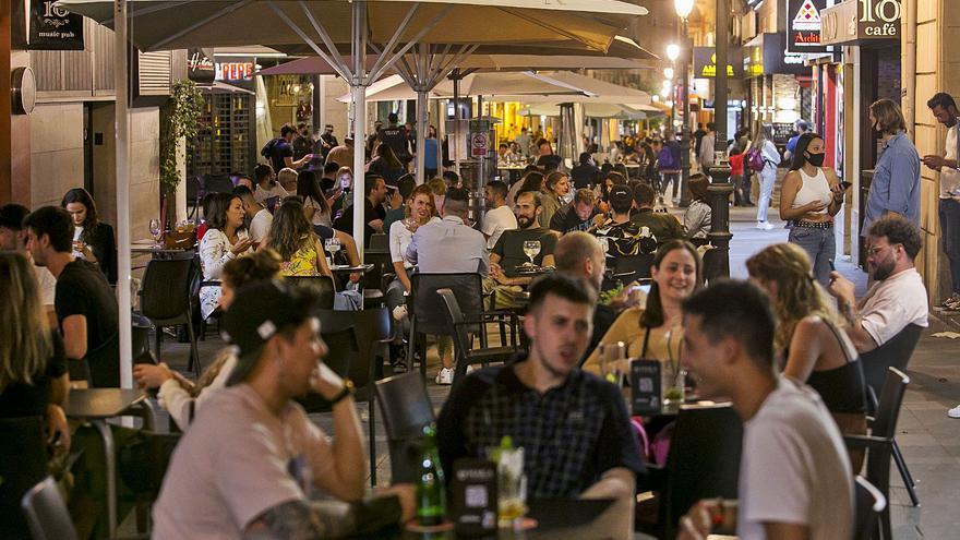La pandemia se lleva por delante 10.500 contratos de la hostelería de la provincia de Alicante en nueve meses