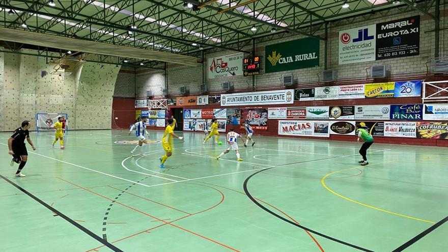 El Atlético Benavente cumple en su último test (8-2)