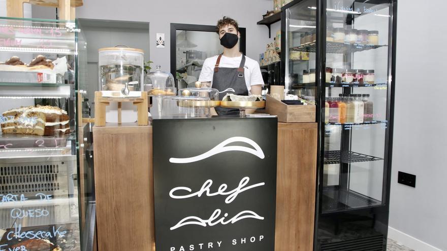 El pastelero cacereño de la superación: supera un ictus a los 23 y abre un negocio