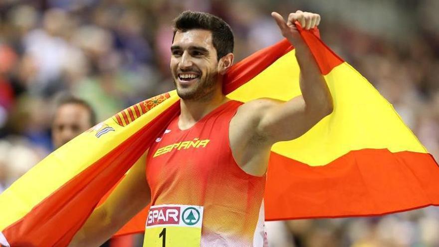 El atleta Jorge Ureña apadrina la nueva vendimia de Alicante