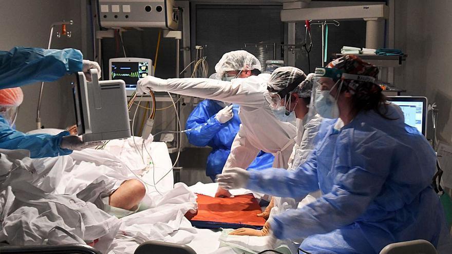 La presión hospitalaria sigue al alza en una jornada con un fallecido por covid