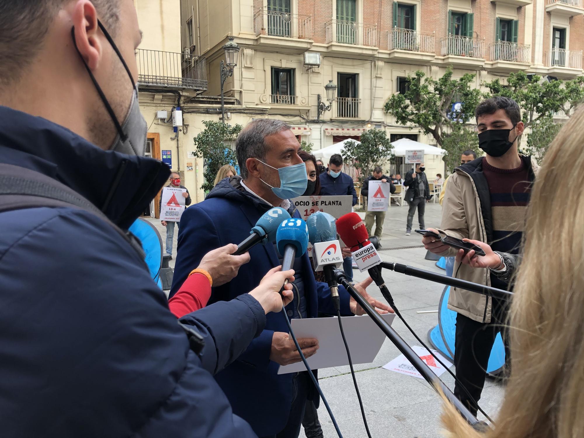 El ocio nocturno de Castellón acampa ante la Generalitat para exigir un plan de choque