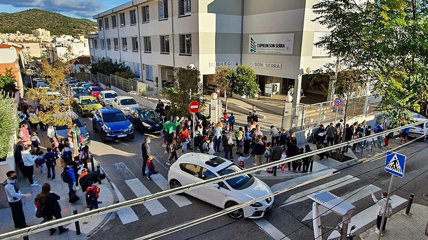 El colegio Son Serra denuncia la inseguridad en los accesos al centro