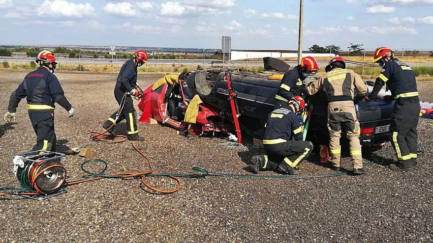 La plantilla de bomberos amplía su formación en excarcelaciones