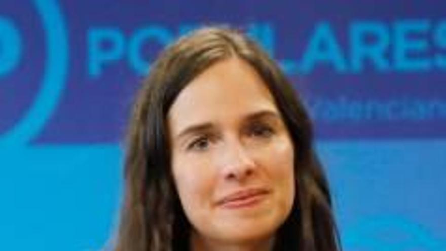 El PP ultima una candidatura al Congreso con Belén Hoyo de cabeza