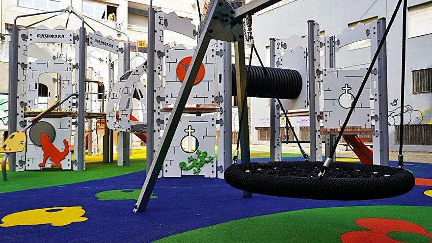Un nuevo parque en Mariñamansa trata de paliar la escasez de zonas de juego infantil