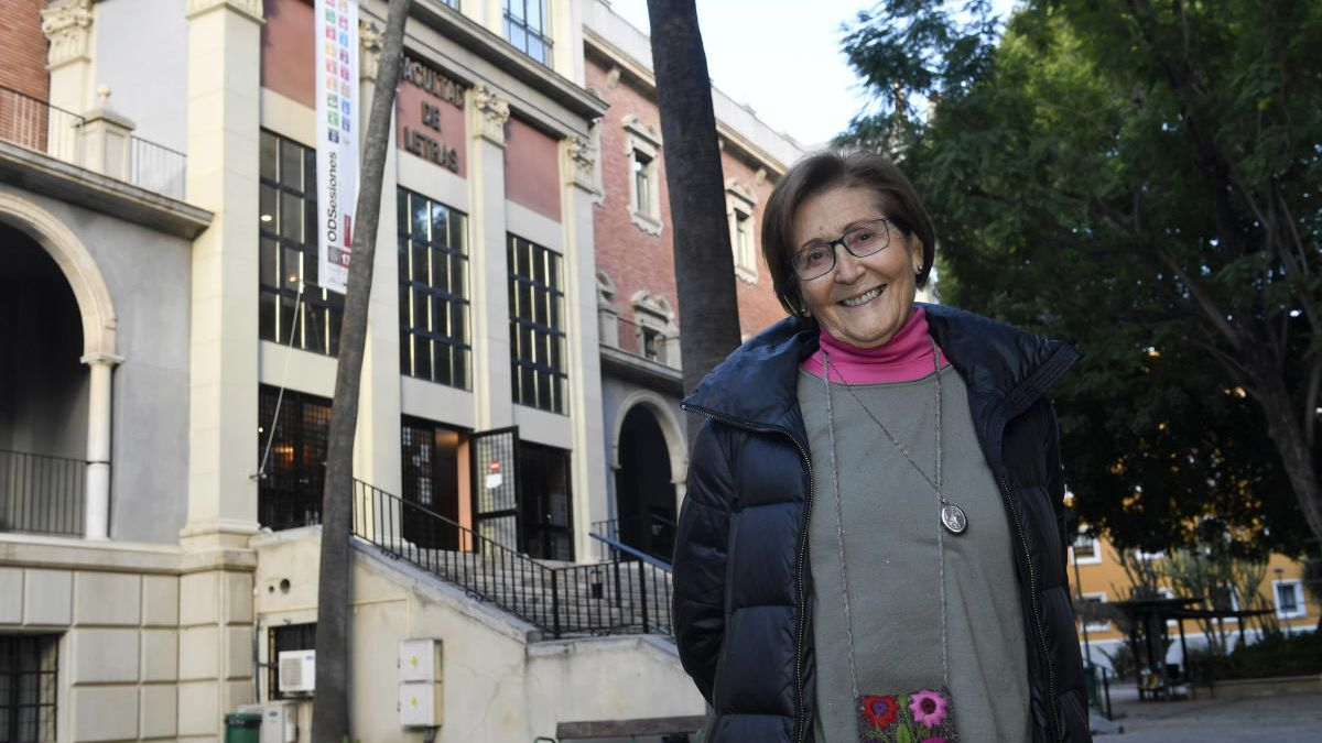 La profesora Francisca Moya del Baño, premio José Loustau del Consejo Social de la UMU