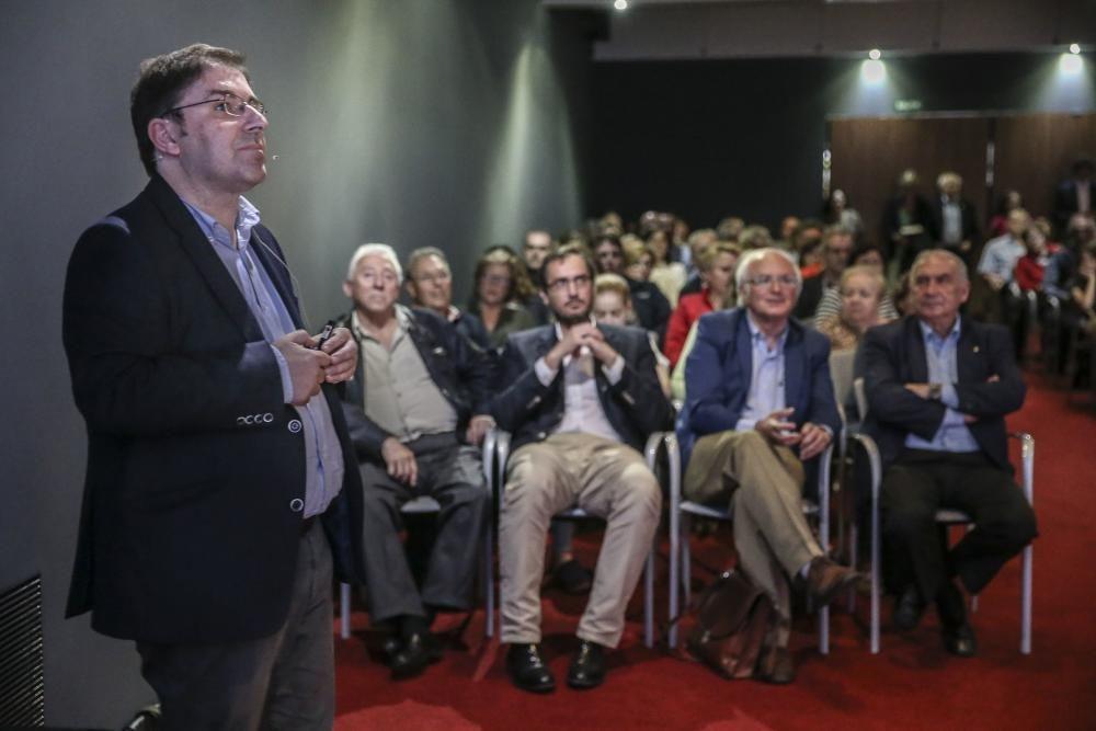 """Conferencia en el Club Prensa: """"Tecnologías que cambiarán nuestros días"""""""